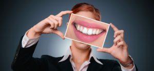 השתלות שיניים חיוך